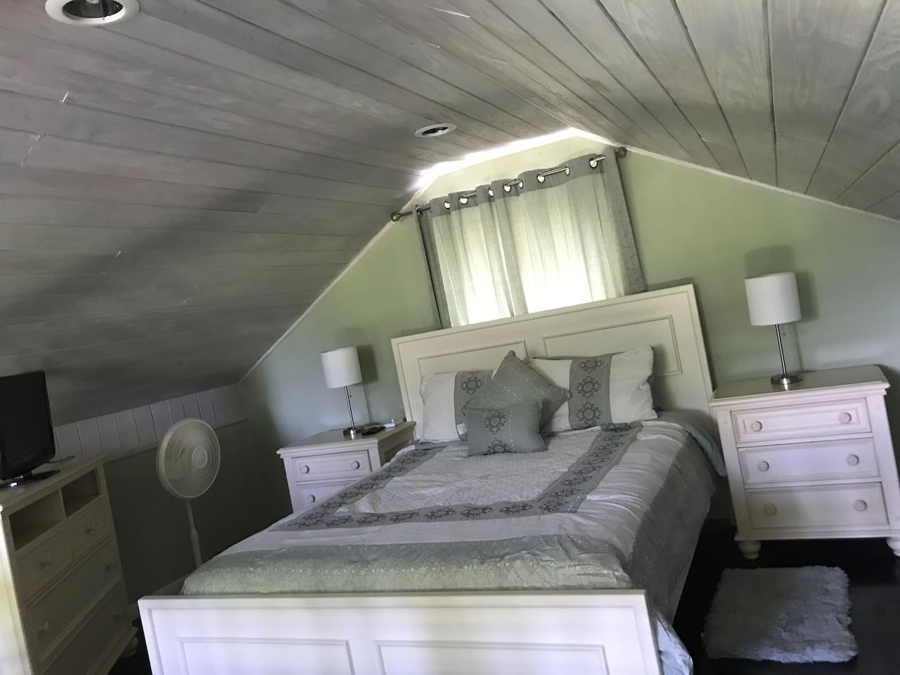 Loft bedroom with queen size bed