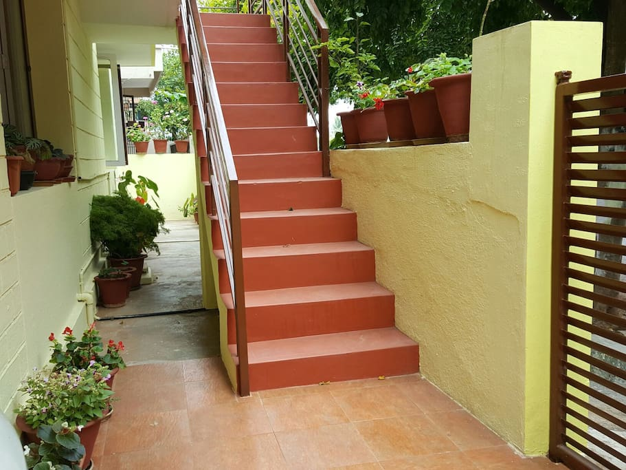 stairs leading up to the 2bhk