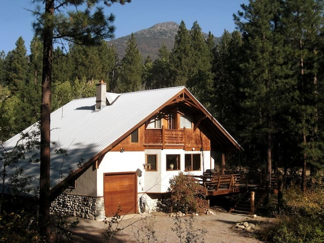 Deer Run Chalet-Close to Ski Trail& Methow River!