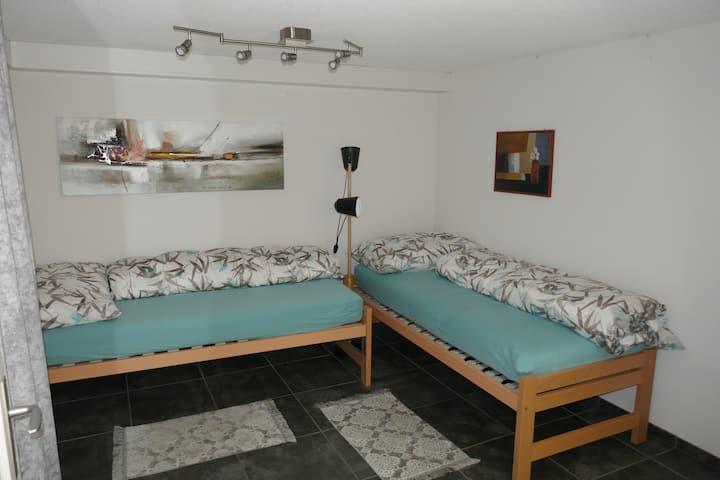 Gästezimmer in Einfamilienhaus mit eigenem Eingang