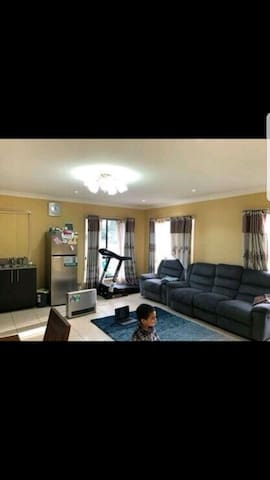 cosy beautiful granny flat close  2publictransport