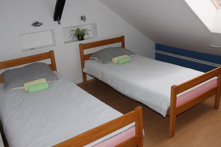 Private room for 2 near city centre - Osijek