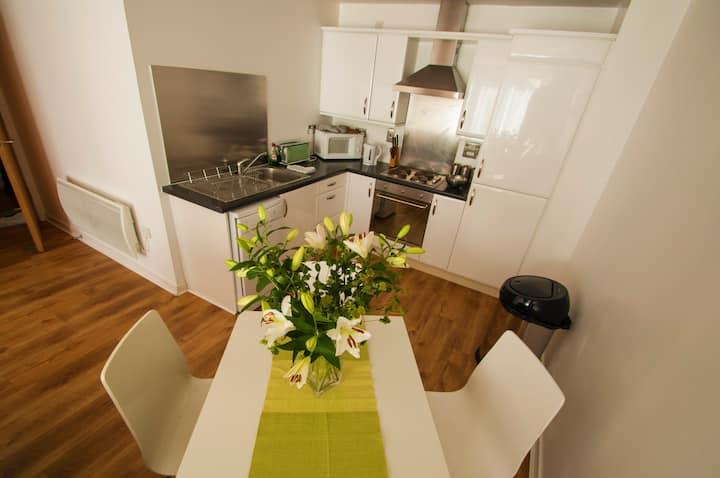 Ocean's 2 Bedroom Apartment