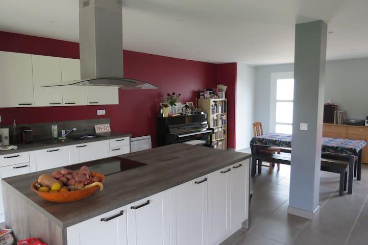Maison rénovée à 7 km de Pau - Saint-Castin - Casa