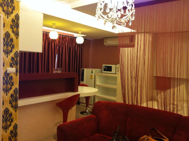 曼谷市中心低调奢华公寓 拉玛9商场后近地铁站luxury behind Central Rama 9