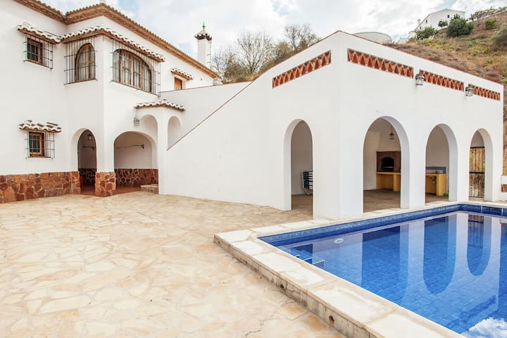 Detached holiday house with private swimming pool in Almáchar