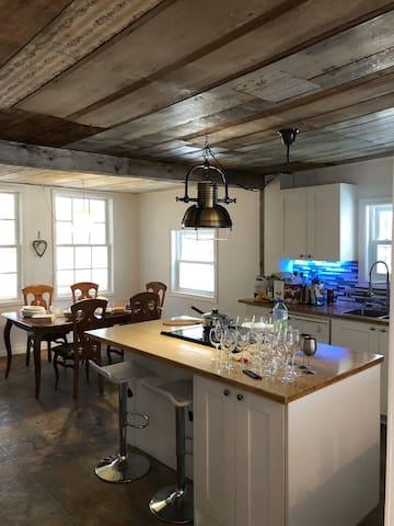 Maison de campagne rustique fraîchement rénovée