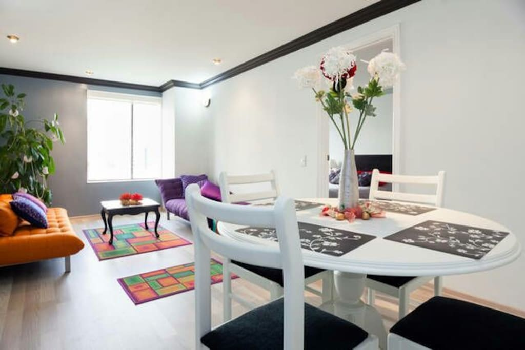 Comfortable dinning table, laptop friendly