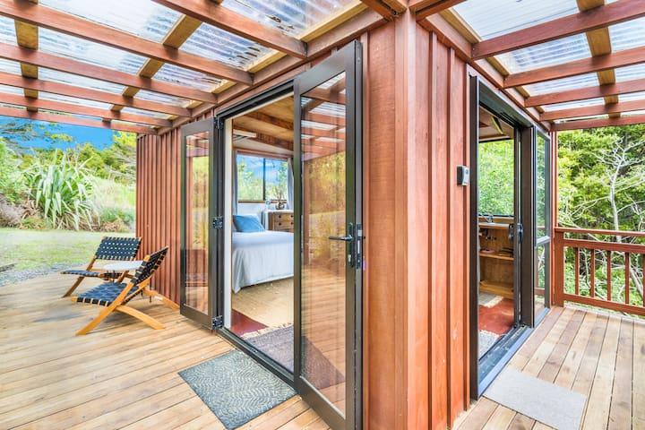 Gorgeous  ITI Cabin between Matapouri & Tutukaka