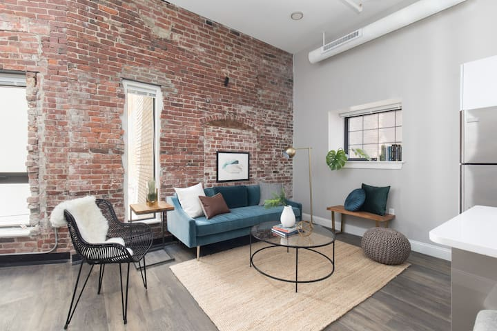 Airy 2BR in Downtown Crossing by Sonder