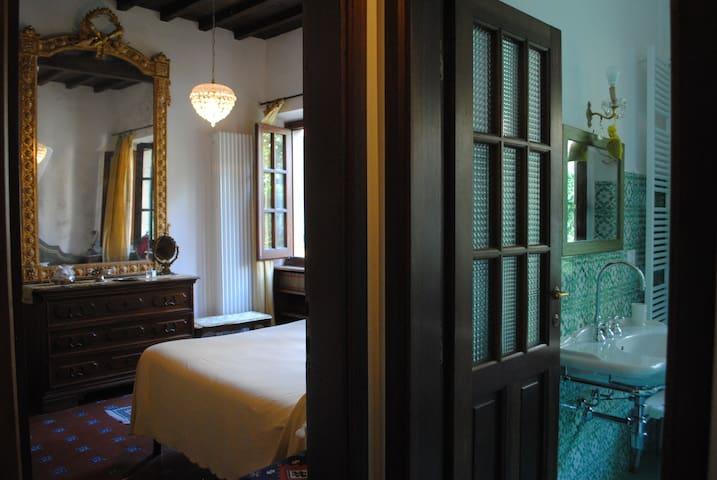 The Perfect Florentine Retreat, Garden Apartment