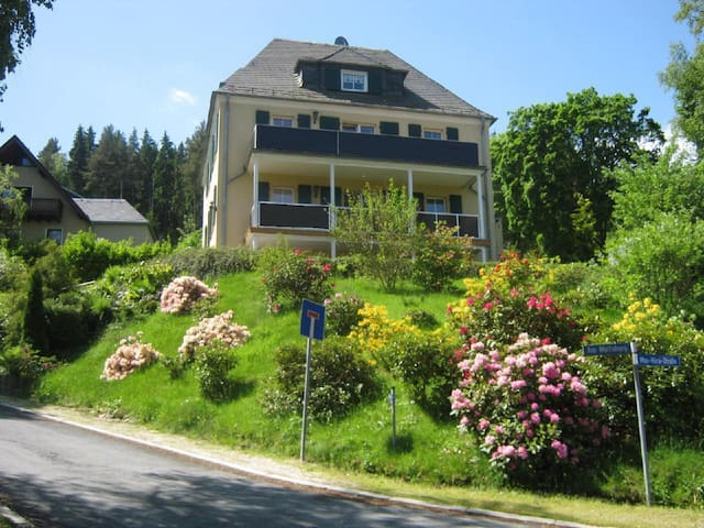 Modernly furnished holiday residence with large balcony in a quiet location