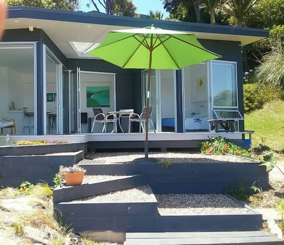ABSOLUTE  WATERFRONT  CABANA - Auckland - Casa