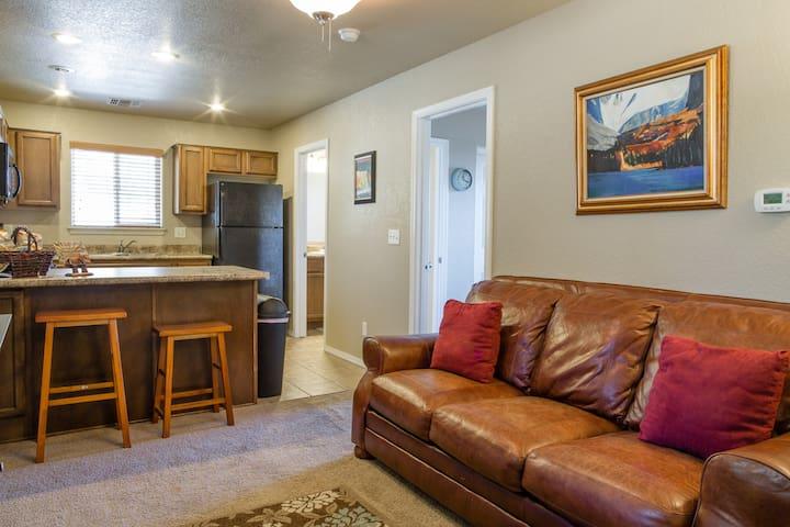 One Bedroom Apt w/ Mountain Views!! - Flagstaff - Apartment