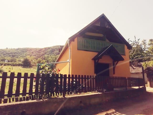 Kádárok Vendégháza a Somló-hegyen