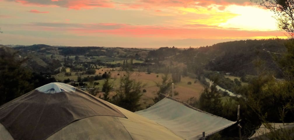 Spacious yurt with stunning views - Motueka Valley - Ev