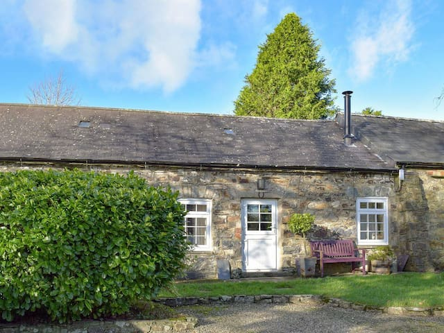 Stable Cottage - W42502 (W42502)
