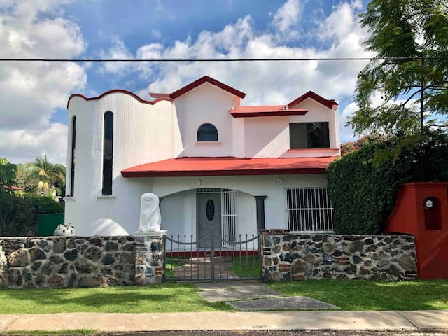 Casa en Fraccionamiento de Lomas de Cocoyoc