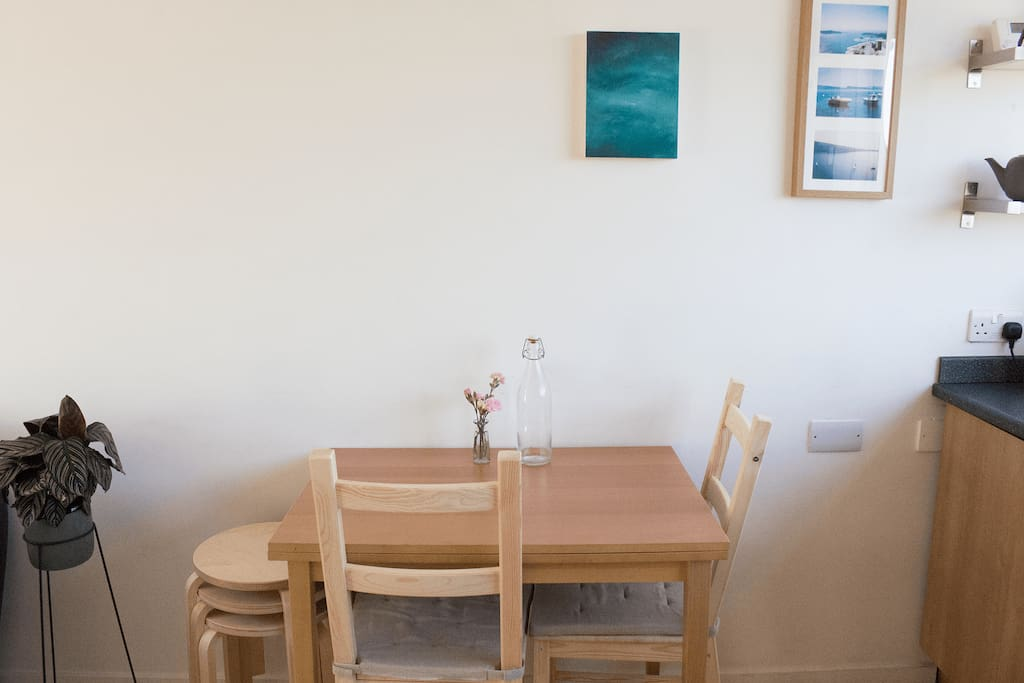 Kitchen Table Extends