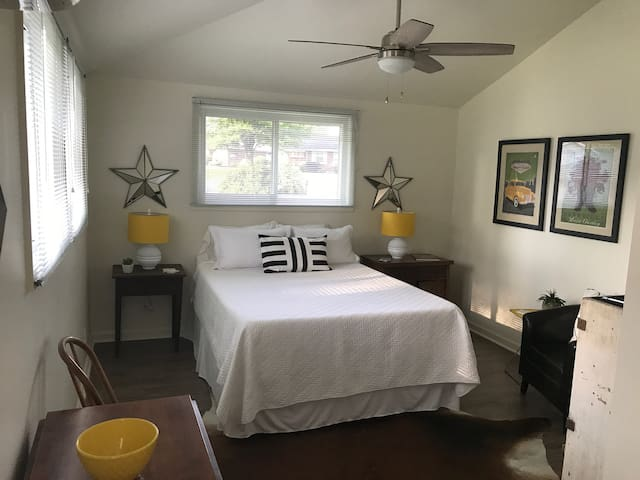 Haven: Private Suite Retreat in South Nashville