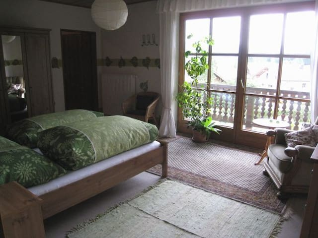 Auerberghaus, Bed & Breakfast #Grün - Lechbruck am See