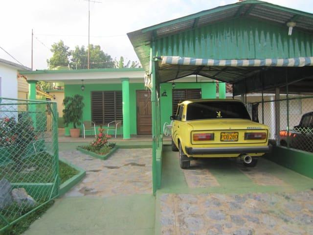 Front Casa Boris y Mileidi