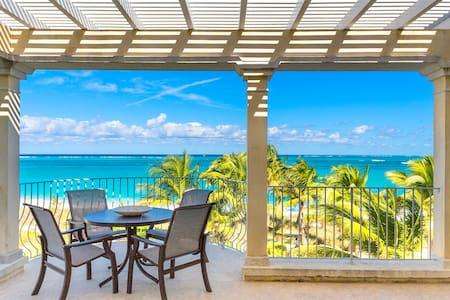 Beach Front Luxury Penthouse in Grace Bay