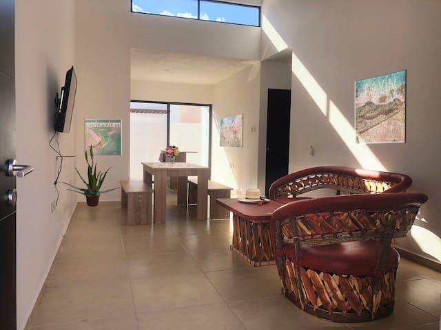Casa X ts'unu'um un espacio cálido, amable y guapo