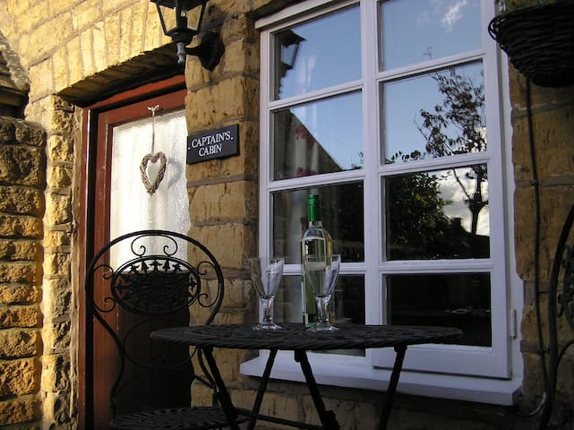 Enchanting cottage with log burner , town centre - Bourton-on-the-Water - Haus