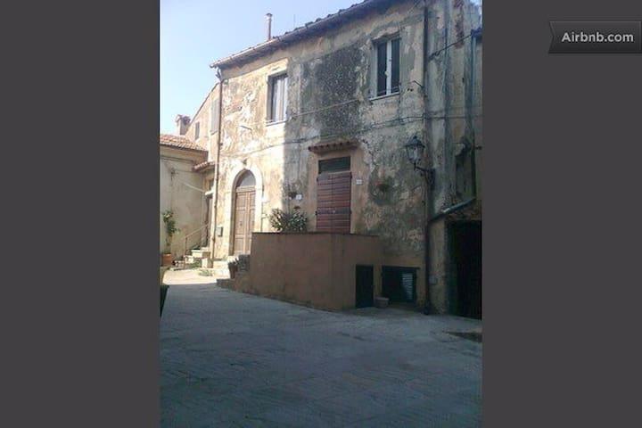 Capalbio a nice medieval village - Capalbio - Apartamento
