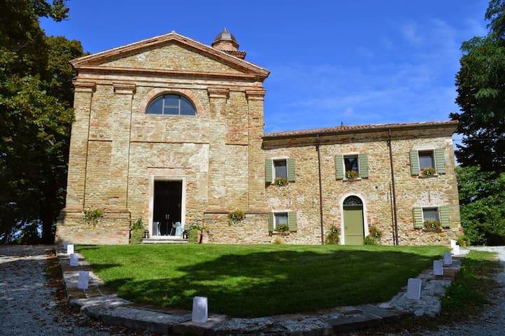 Appartamento in Borgo sulle colline vista mare