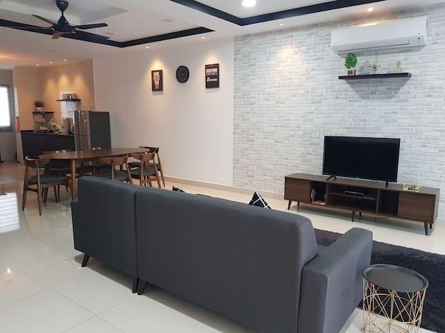 Modern Home 时尚,舒适,清新民宿,S2 Heights