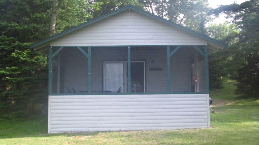 Maple Cabin at Hillcrest Cottages