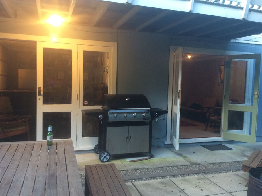 Private patio with bbq available for your use. Great for those beautiful evenings.