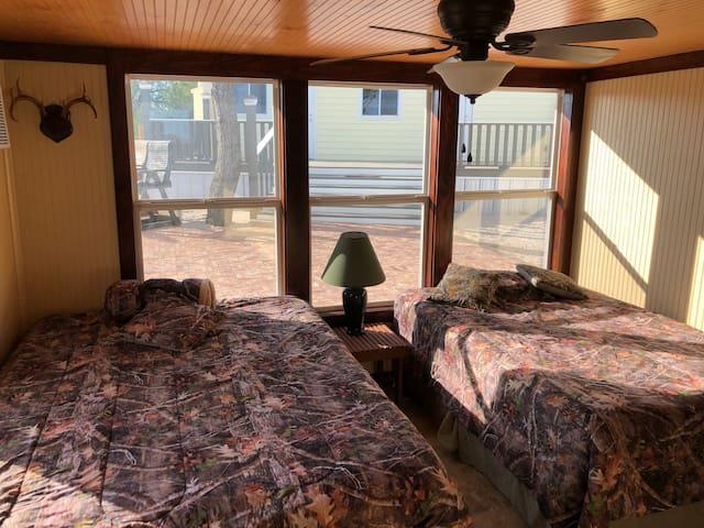Bedroom 1 - Queen/ Full