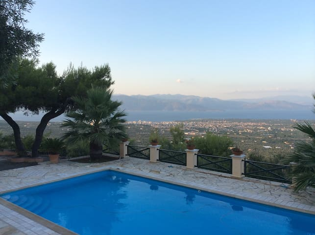 The Olive Hill Villa of Egio - Aigio - Villa