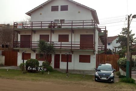Departamento en Villa Gesell, a 70 metros del Mar. - Villa Gesell