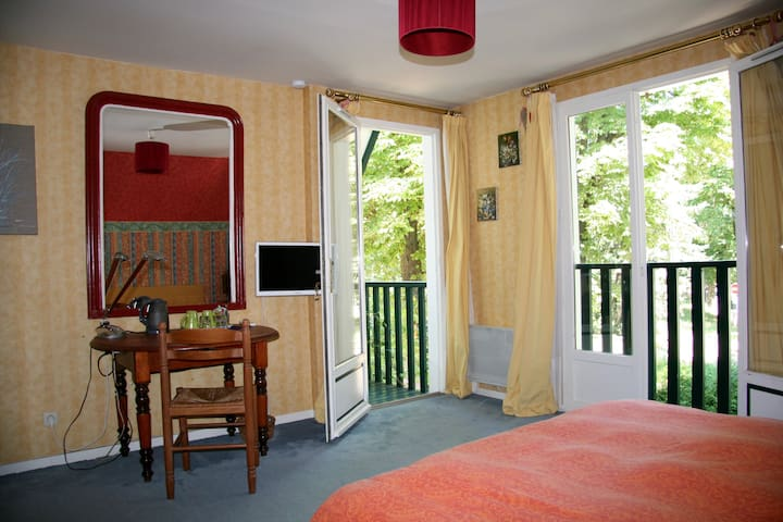 Chambre du Parc - Maisons-Laffitte - Bed & Breakfast