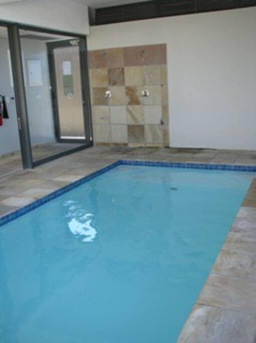 Infinity indoor Pool