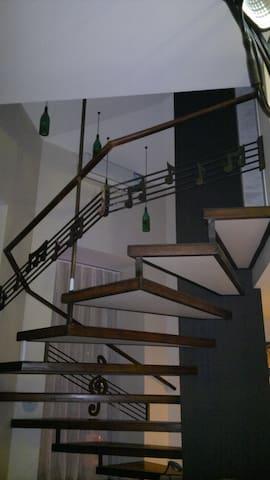 гостиница воображариум  тбилиси