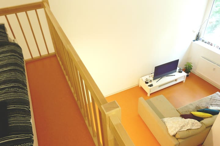 67m Apartment in Mineralbaeder, near City Centre - Stuttgart - Apartament