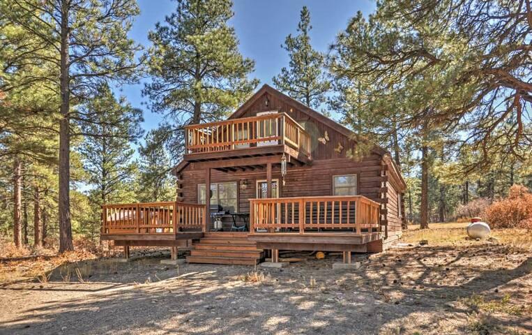 1BR Pagosa Springs Cabin w/Multiple Decks! - Pagosa Springs - Casa de campo