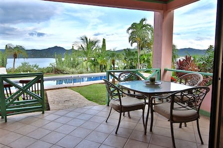 A Beautiful Pool and OceanView 2Bd - Playa Flamingo