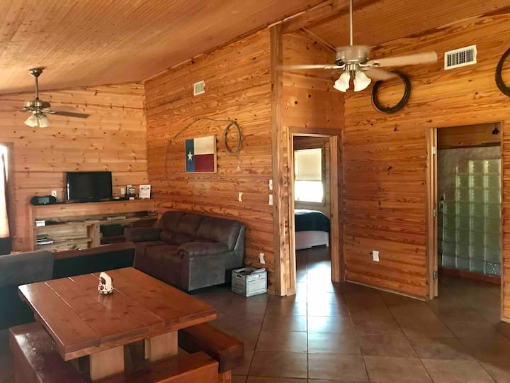 Cottonwood Creek Cabin-A slice of heaven