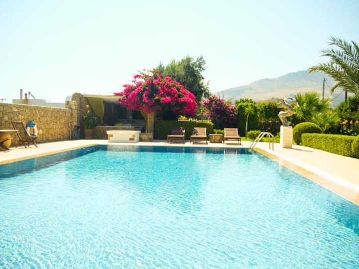 Studio 2 in Greek paradise