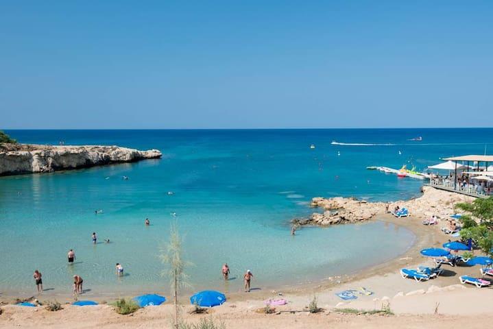 Phaedrus Living: Seaside Luxury Villa Anafi