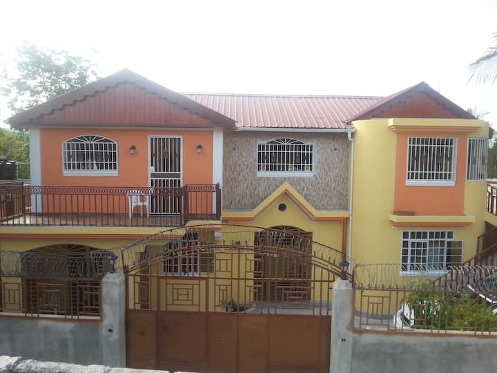 Standard Apartment in Tabarre,TV Cable, Wifi, A/C