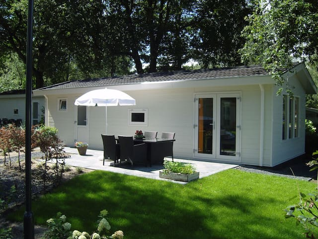 3-Room Chalet in Halfweg (300.32)