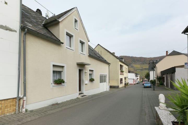Cozy Apartment in Trittenheim with Balcony