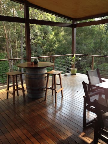Quiet bush home close to Noosa - Tinbeerwah - Casa